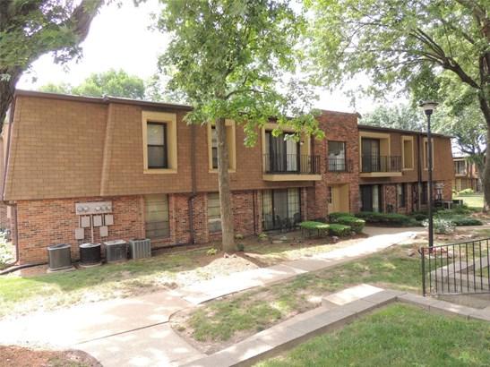 Contemporary,Garden Apartment, Condo - Hazelwood, MO (photo 1)
