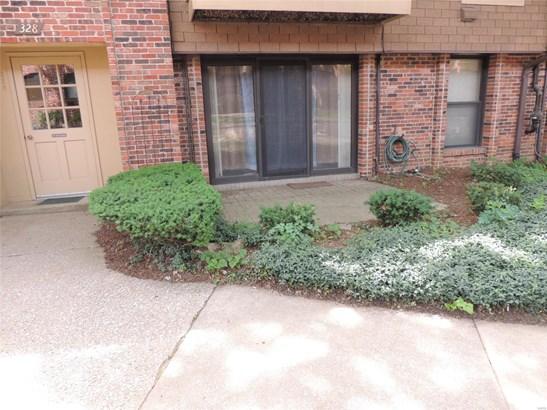 Contemporary,Garden Apartment, Condo - Hazelwood, MO (photo 2)