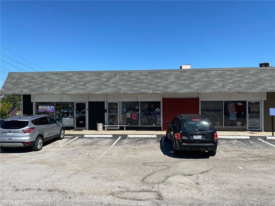 Commercial - Mixed Use,Restaurant,Retail Strip Center,Single Occupancy,Store Front,Office Building