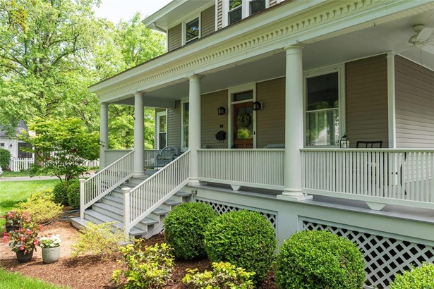 Colonial,Traditional, Residential - Kirkwood, MO (photo 2)