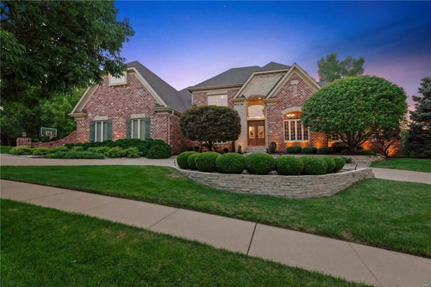 Residential, French,Traditional - Chesterfield, MO