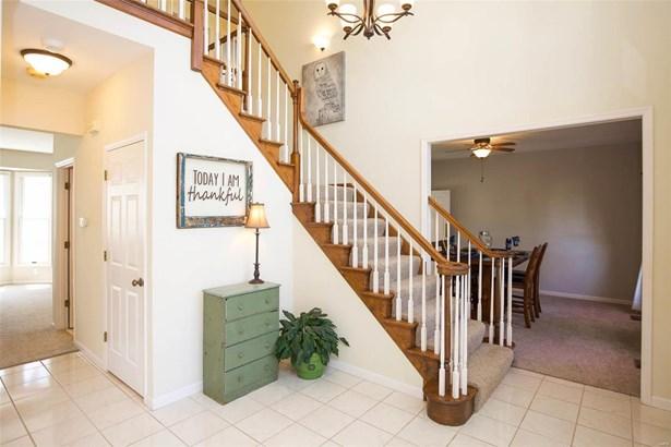 Residential, Traditional - Ballwin, MO (photo 4)