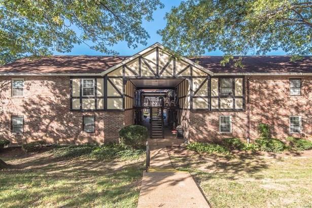 Residential, Tudor,Ranch - St Louis, MO