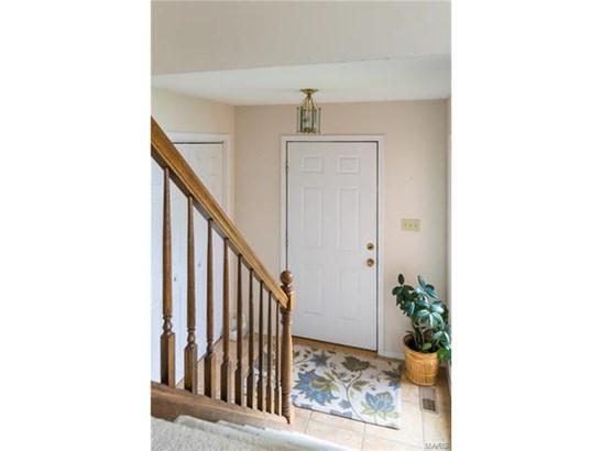 Condo,Condo/Coop/Villa, Traditional,Split Foyer - Chesterfield, MO (photo 4)