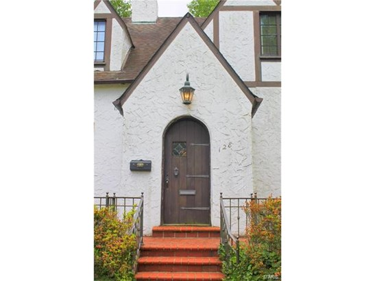 Tudor, Residential - Kirkwood, MO (photo 2)