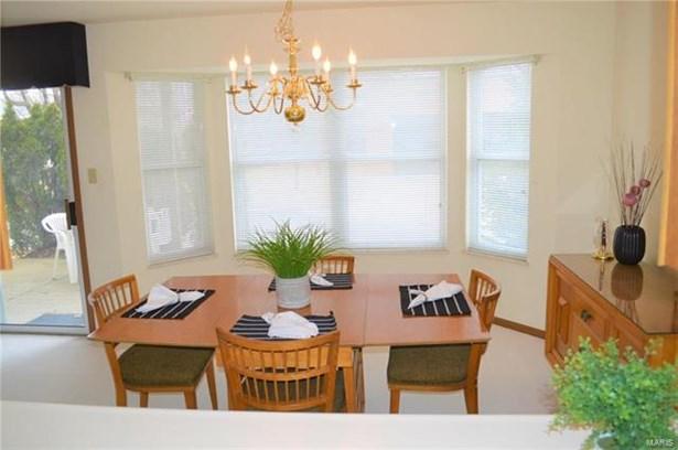 Condo, Traditional,Garden Apartment - St Louis, MO (photo 5)