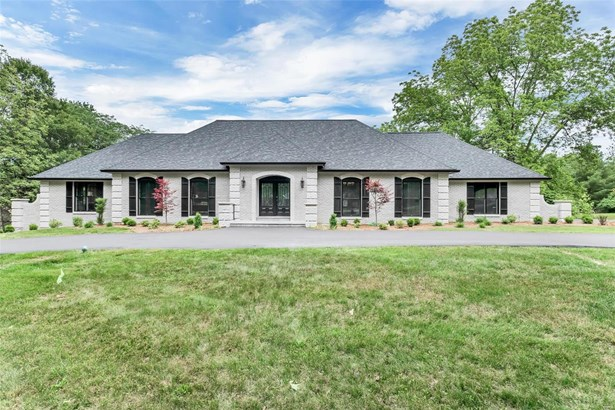 Residential, Contemporary,Traditional - Ballwin, MO (photo 1)