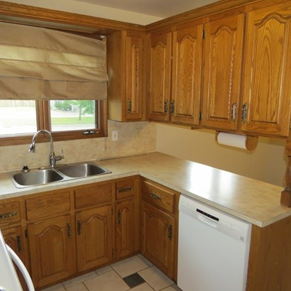 357 Wyndale, Thunder Bay, ON - CAN (photo 4)