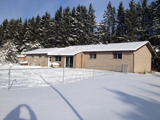 545 Woodcrest Road, Thunder Bay, ON - CAN (photo 2)