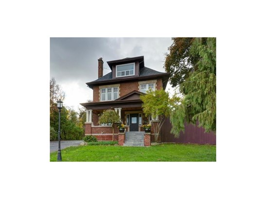 2846 King Street E, Hamilton, ON - CAN (photo 1)