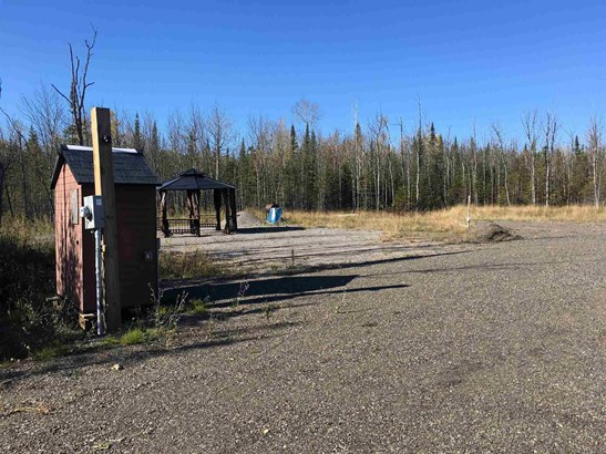7050 Mapleward, Thunder Bay, ON - CAN (photo 2)