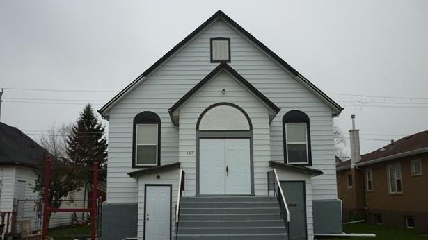 607 Prince Arthur, Thunder Bay, ON - CAN (photo 1)