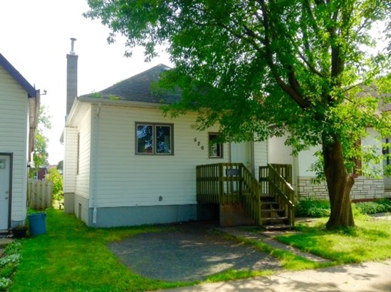526 Brodie, Thunder Bay, ON - CAN (photo 1)