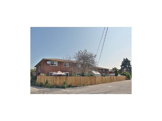 2079 Meadowbrook Road 3, Burlington, ON - CAN (photo 2)