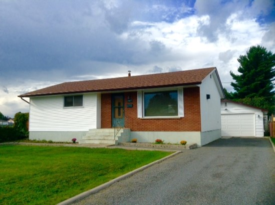 147 Hemlock, Thunder Bay, ON - CAN (photo 1)