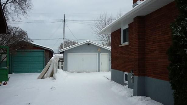 128 Edward, Thunder Bay, ON - CAN (photo 2)