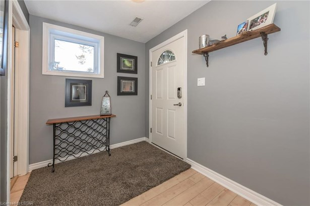 40 Ontario Street 9, Grand Bend, ON - CAN (photo 3)