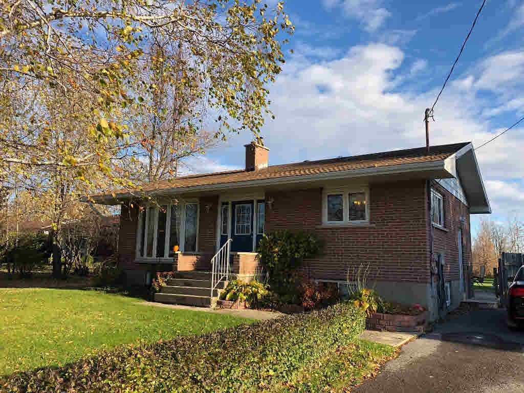3690 Smith Road, Kingston, ON - CAN (photo 2)