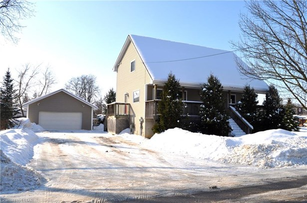 225 William Street - E, Parkhill, ON - CAN (photo 2)