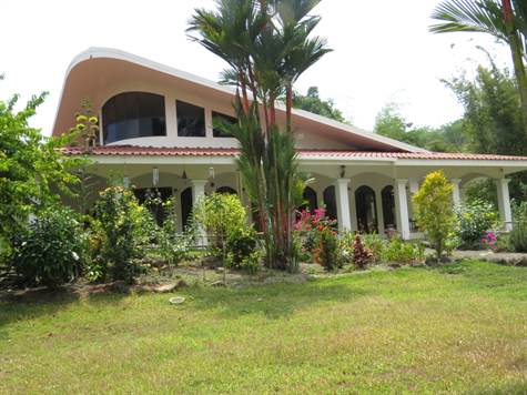 Luxury Ranch On 16 Acres, With Waterfall, Quepos - CRI (photo 1)