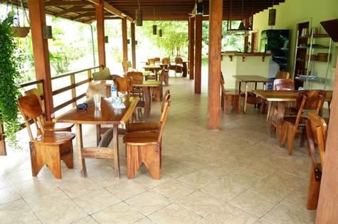Popular Restaurant, Hotel, Owners Home, Mamas Y Pa, Ojochal - CRI (photo 5)