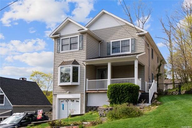 Single Family Residence, Colonial - Northport, NY