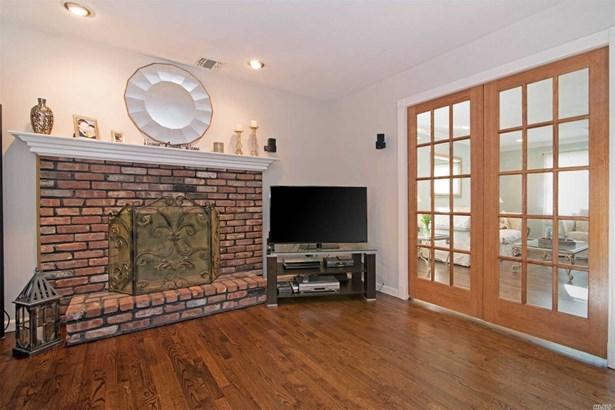 Residential, Colonial - E. Setauket, NY (photo 5)