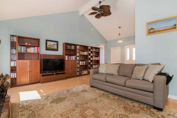 Residential, Ranch - Stony Brook, NY (photo 4)