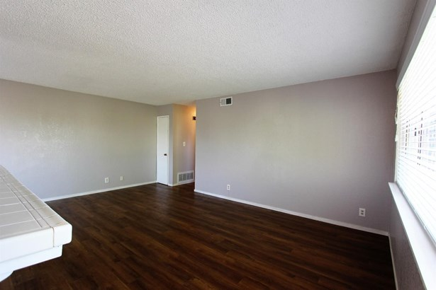 5615 Revelstok Drive 4, Sacramento, CA - USA (photo 3)