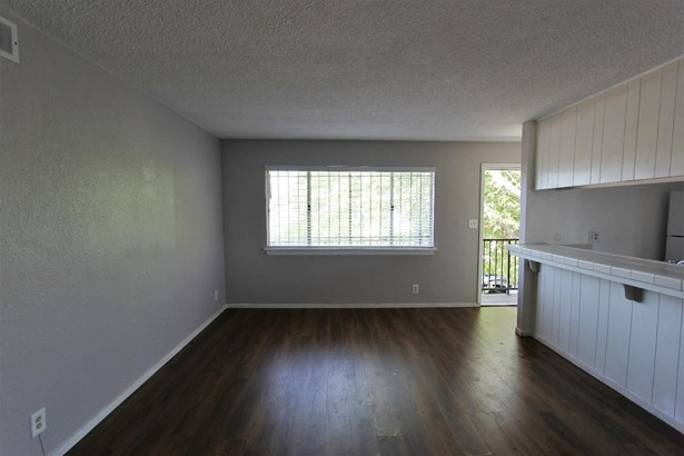 5615 Revelstok Drive 4, Sacramento, CA - USA (photo 5)