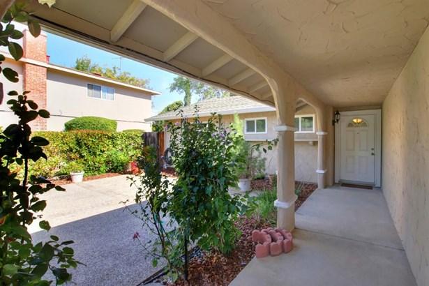 4652 Ravenstone Way, Sacramento, CA - USA (photo 2)
