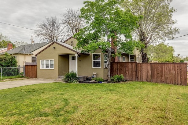 1700 Roanoke Avenue, Sacramento, CA - USA (photo 1)