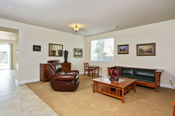 2320 Foster Court, Woodland, CA - USA (photo 2)
