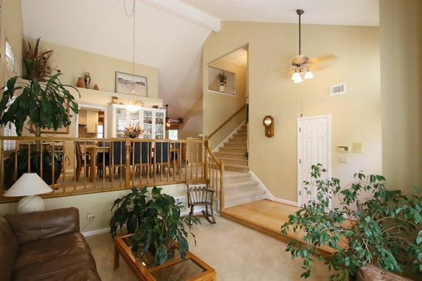 1601 Clarewood Drive, Roseville, CA - USA (photo 4)