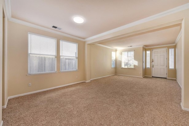 9905 West Taron Drive, Elk Grove, CA - USA (photo 4)