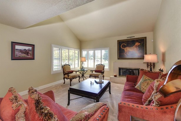 11684 Gold Country Boulevard, Gold River, CA - USA (photo 5)