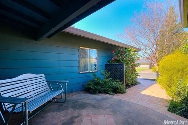 8118 Leafcrest Way, Fair Oaks, CA - USA (photo 3)