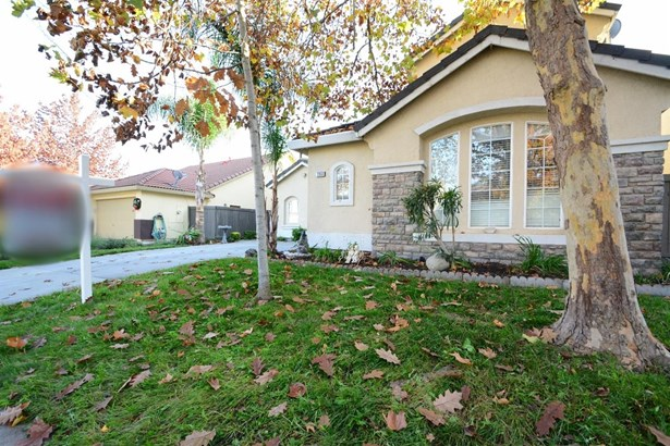 2050 Riggs Avenue, Sacramento, CA - USA (photo 2)