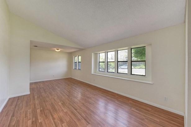 1008 Northridge Drive, Roseville, CA - USA (photo 5)