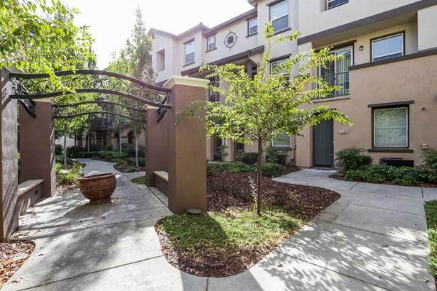 50 Regency Park Circle 7104, Sacramento, CA - USA (photo 1)