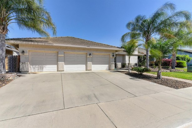 9517 Swanbrook Court, Elk Grove, CA - USA (photo 1)