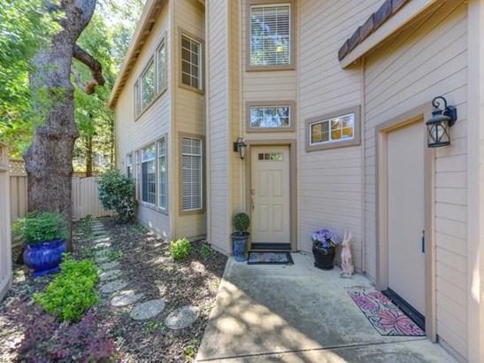 8120 Heritage Meadow Lane, Citrus Heights, CA - USA (photo 2)