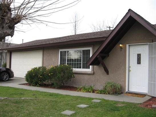 355 Berthoud Street, Sacramento, CA - USA (photo 2)
