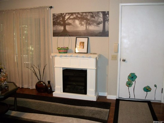6640 Silver Springs Court, Citrus Heights, CA - USA (photo 5)