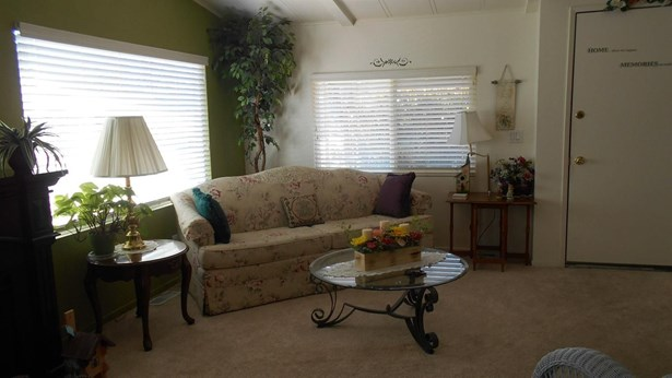 6621 Grosse Point Court, Citrus Heights, CA - USA (photo 4)