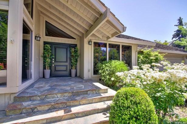 1705 Haggin Grove Way, Carmichael, CA - USA (photo 4)
