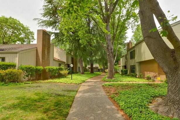 702 Dunbarton Circle, Sacramento, CA - USA (photo 3)
