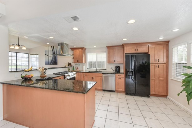 8250 Streng Avenue, Citrus Heights, CA - USA (photo 5)