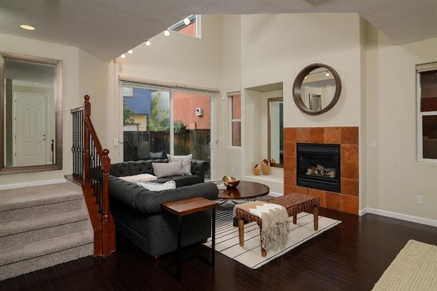 805 Platinum Lane, West Sacramento, CA - USA (photo 5)