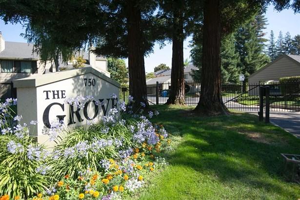 750 Lincoln Road 64, Yuba City, CA - USA (photo 1)